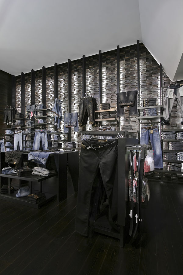 Clip Concept Store - View of jeans section display